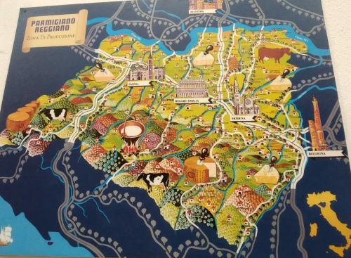 Il Parmigiano Reggiano si produce solo qui, tra Po e Reno, in Emilia.
