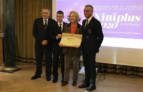il Valcalepio Rosso è stato premiato con la Rosa d'oro dell'Associazione Italiana Sommelier