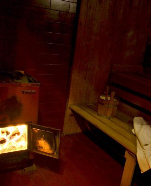la sauna a legna dell'hotel Nudelbacher  di Feldkirchen