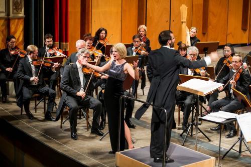 Da ragazzo Felix Bender ha cantato nel Thomanerchor di Lipsia e lo si è visto quando ha offerto una piccola e graziosa perla, duettando nel concerto rovereretano, con Silvia Micu