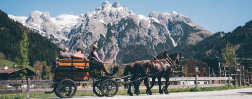 L'impareggiabile panorama di  Werfenweng, comune austriaco di 969 abitanti nel distretto di Sankt Johann im Pongau, nel Salisburghese, Perla delle Alpi