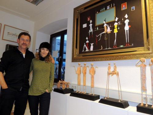 Con l'inseparabile marito che l'ha sempre assistita e sostenuta nella sua carriera artistica