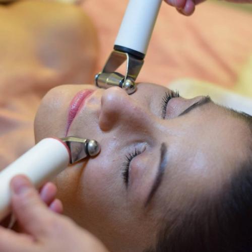 Hydradermie Deluxe un trattamento completo per la pulizia e il ringiovanimento del viso