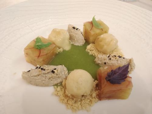 Una delle scenografiche creazioni da dessert di Basello (foto c.perer)