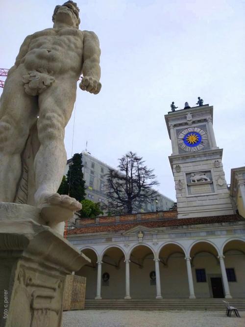 Atmosfera veneziana in piazza della Libertà