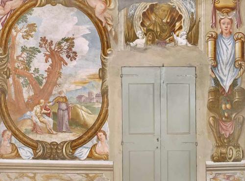 Gli affreschi al piano terra