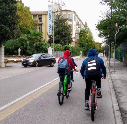 Una rete eccezionale di piste ciclabili consente mobilità dolce e sicura in città