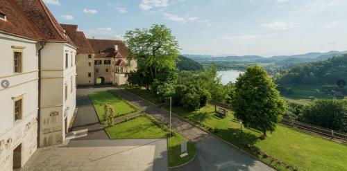 Dal Castello di Seggau, la vista spazia su Leibnitz e sulla regione di Mur e Sulm
