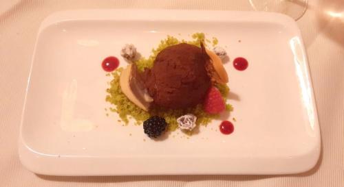 I dolci: la brigata guidata dallo chef Renato Cervo offre agli ospiti una cucina ottima e ricercata, con menù dedicati a celiaci o intolleranti al lattosio.
