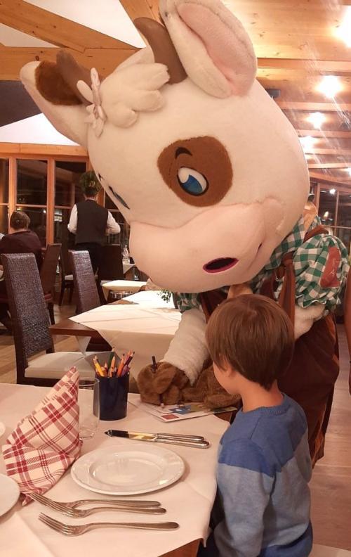 La Mucca Pina è la mascotte dell'hotel