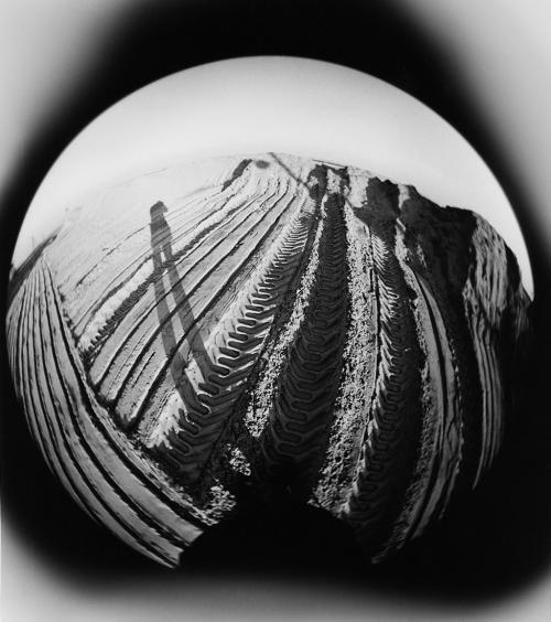 Guido Guidi, 1980. In copertina (in alto) una interpretazione della luna del 1968