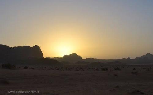 Tramonto nel deserto (riproduzione riservata)