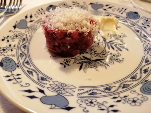 Una tartare con formaggio del casaro - foto C.Perer