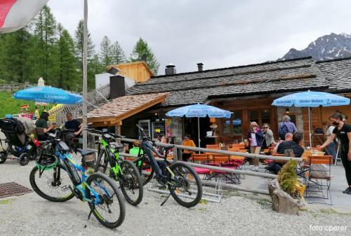 Rifugio Talschlusshütte a Casere, per una sosta in tipico stile altoatesino  - foto C.Perer