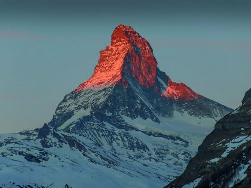 Monte Cervino Alpi Italia e Svizzera  - copyright Shutterstock