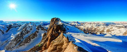 Dolomiti - Marmolada Alpi Italia - copyright Shutterstock