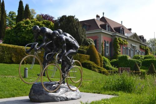 Opere d'arte in bronzo nel parco - foto O.Galletti