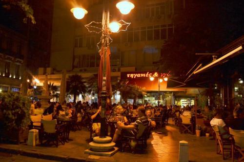 Salonicco - Città vivace, piena di taverne dove si mangia a buon mercato, ma benissimo (foto C.Perer)