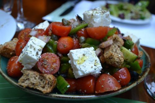 insalata greca al Ristorante Atrium (foto C.Perer)