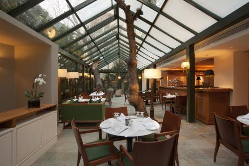 L'ottima gastronomia greca si degusta al Ristorante Atrium