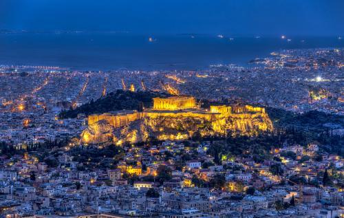 Dal 21 Giugno, in occasione del decimo anniversario dell'apertura del museo dell'Acropoli, è possibile visitare ai piedi del Partenone l'antico quartiere.