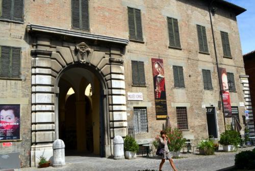 le foto di questa pagina: www.giornalesentire.it