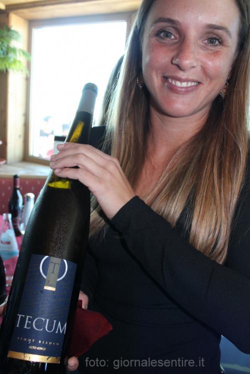 il Tecum, dal latino insieme, di Castelfeder: è un Pinot Bianco solo in Magnum che esce dalle cantine di Egna e Cortina in Bassa Atesina (foto. C.Perer)