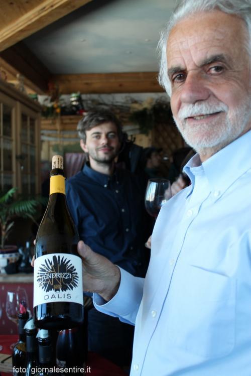 Il Dalis con la dalia in etichetta della Cantina Endrizzi di San Michele all'Adige, già alla quinta generazione di viticoltori (Foto C.Perer)