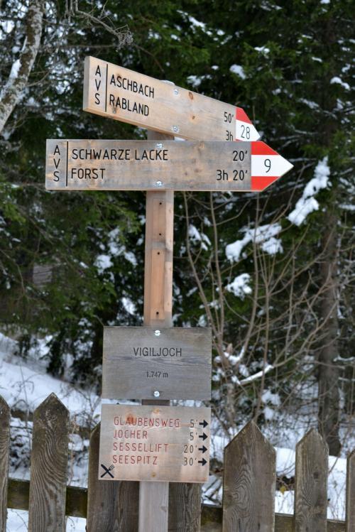 e d'inverno....passeggiata sul Sentiero Alpenrosenweg