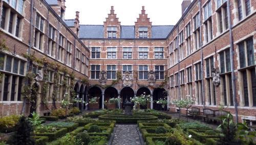 I giardini interni del Plantin Moretus