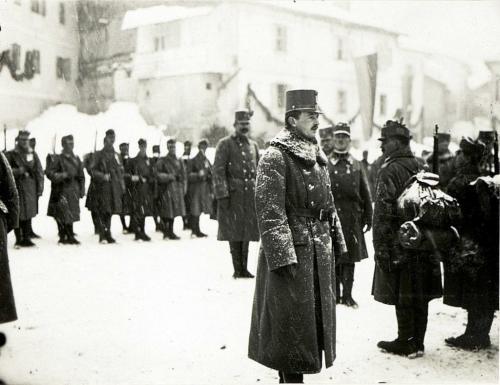 Moena 8 gennaio 1917: Carlo I ispezione le truppe
