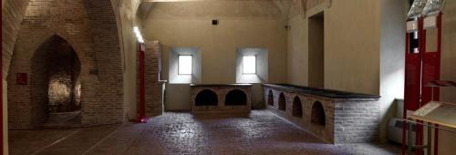 Le cucine di palazzo, spartane e funzionali