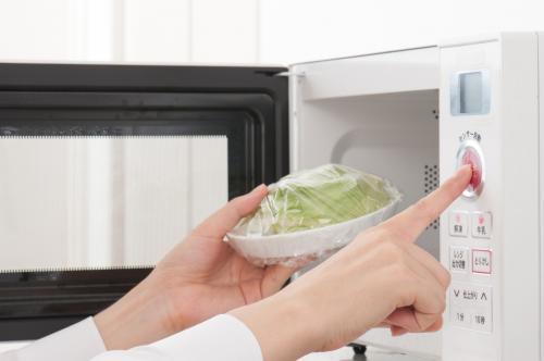 Forno a microonde: attenzione a tenerlo pulito, eviteremo dispersioni di microonde