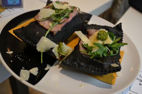 gastronomia modenese. gnocco fritto....nero