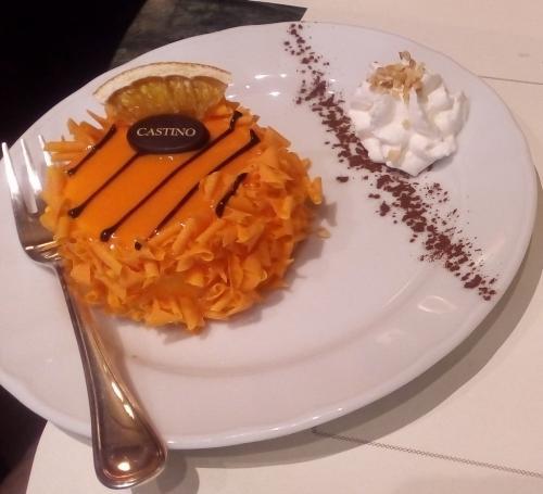 La torta all'arancio e al cioccolato