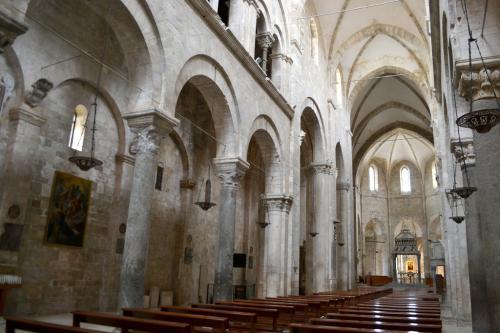 La cattedrale di Barletta splendido compendio di storia della Chiesa  (Foto C.Perer)