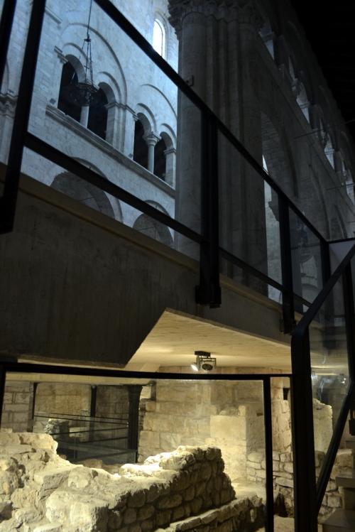 Le tre chiese: una sopra e due sotto  (Foto C.Perer)