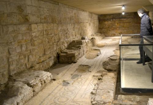 E sotto...uno splendido compendio di storia: tracce daune, romane, bizantine  (Foto C.Perer)