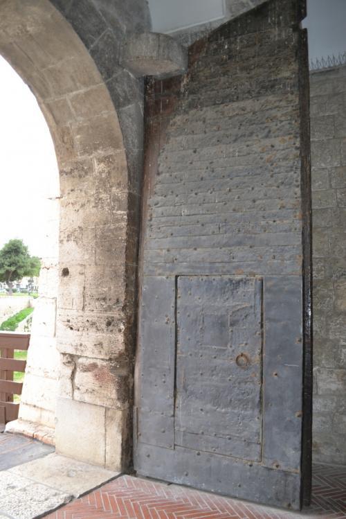 Il portale del Castello di Barletta è originale   (Foto C.Perer)