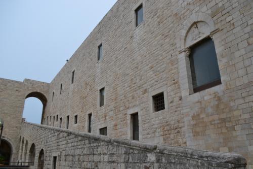 Il Castello di Barletta splendido e immenso contenitore culturale  (Foto C.Perer)