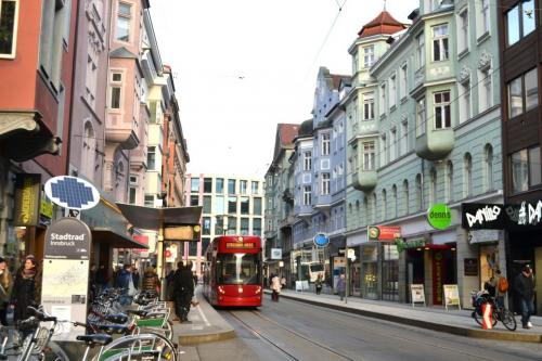 Bus gratis per i turisti da maggio2020 (foto corona perer)