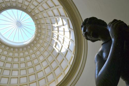 l'aula centrale rotonda dedicata alla fontana dell'imperatore Leopoldo