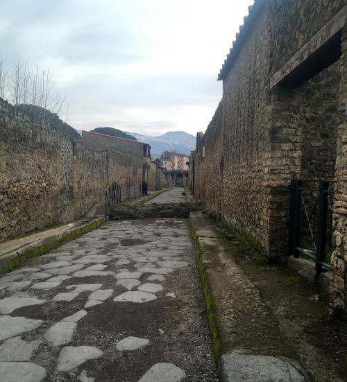 Storia che sopravvive: i vicoli di Pompei