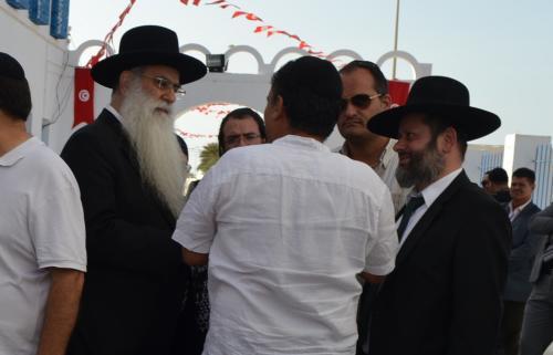 Il Rabbi di Gerusalemme  Raphael Cohen (il primo a sinistra)