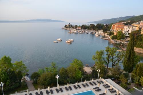 Opatjia (Abbazia) è  la perla del Golfo del Quarnero.(foto C.Perer)