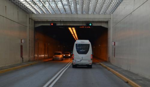 il tunnel che collega Lefkada alla terraferma