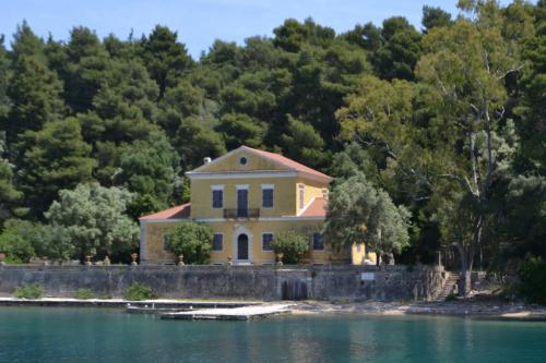 L'isola del poeta: Madouri