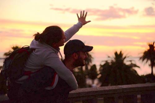 Elisa & Dimitri: lui fotografa, lei scrive