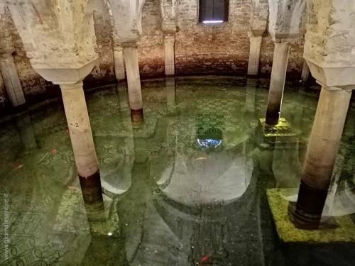 Da vedere nella Chiesa di San Francesco la cripta allagata