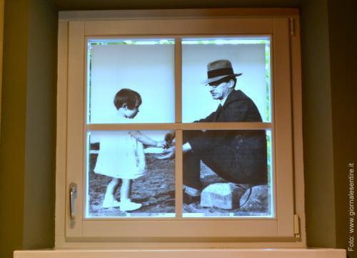 Tanti dettagli toccanti nella casa museo come questa splendida finestrella (Foto: @giornalesentire)